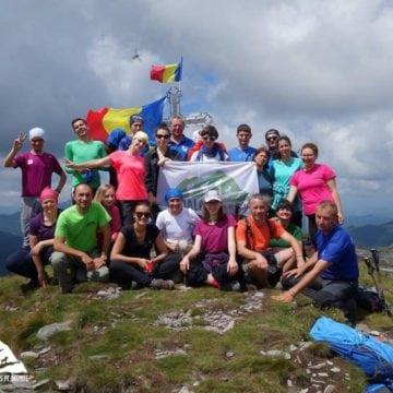 Escapadă în munți cu Tășuleasa Social și Tibi Ușeriu! 1.000 de persoane au învățat să supraviețuiască naturii