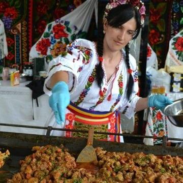 Chef Nina Rus și bucatele ei pun Bistrița Năsăud pe harta locurilor de vizitat pentru delicii culinare