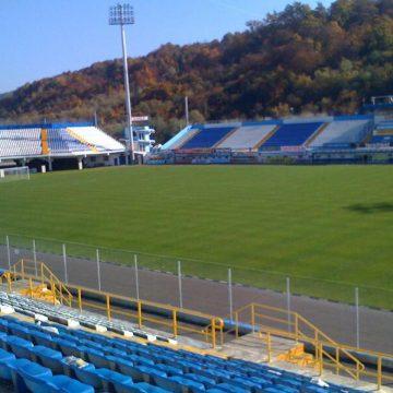 """SONDAJ:  Ce cred bistrițenii despre demolarea stadionului """"Jean Pădureanu"""""""