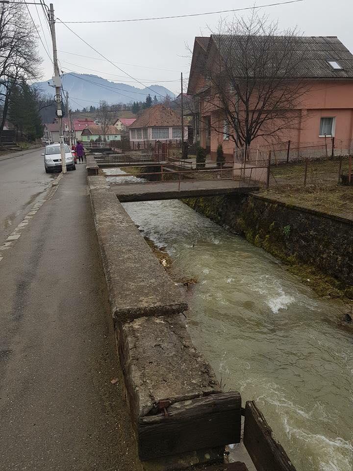 Ce-ați spune de o zonă de promenadă cu băncuțe și piste pentru biciclete în Sîngeorz-Băi? Cum se transformă Valea Borcutului: