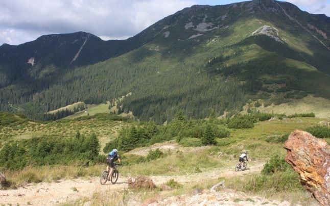 Drumul istoric din Munții Călimani își așteaptă curajoșii, la final de august. Cu ce îi așteaptă Via Maria Theresia: