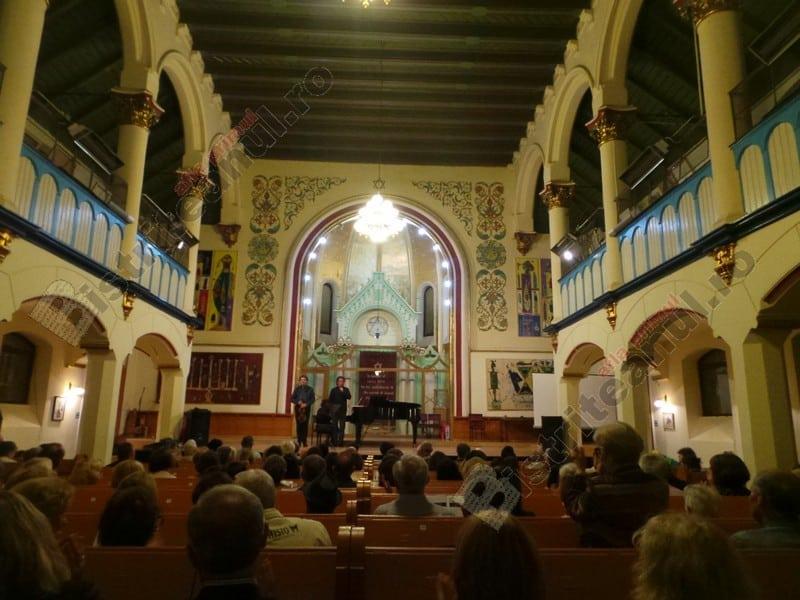 FOTO/VIDEO: Catedrala, în Bistrița… Sfâșietoare, dincolo de toate urâțeniile vieții…