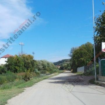 """FOTO: Picnic la o terasă din Bistrița! """"Atragem atenția asupra acestui loc abandonat…"""""""