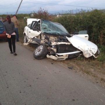 FOTO – GHINION! Un bărbat a fost prins băut la volan, după ce un alt șofer i-a făcut praf mașina