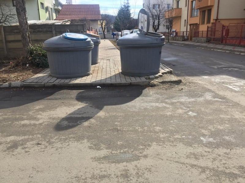 Se cere renunțarea la containerele semi-îngropate, hidoasele oale sub presiune pentru struții primarului