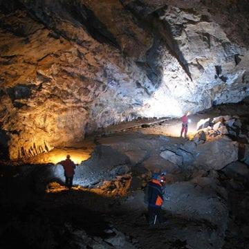 EXTRA: Peștera Tăușoare îi ajută pe cercetătorii americani să clarifice destinul omului de Neanderthal!