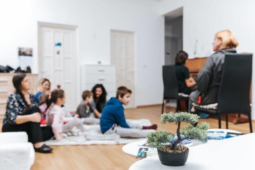 FOTO:  JYSK a transformat sediul Micilor Prinți într-o căsuță de poveste!