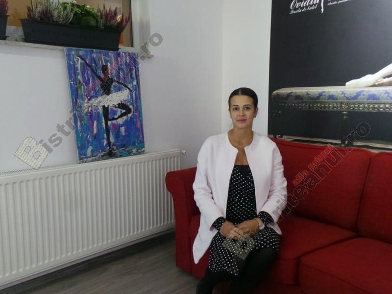 """OAMENI din Bistrița-Năsăud. Laura Boldor, probabil cea mai iubită profesoară de gimnastică din oraș: """"În fiecare zi merg cu plăcere la serviciu!"""""""