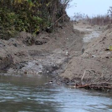 """GRAV:  Invazie ilegală pe râul Șieu! """"Situația este  dramatică!"""""""