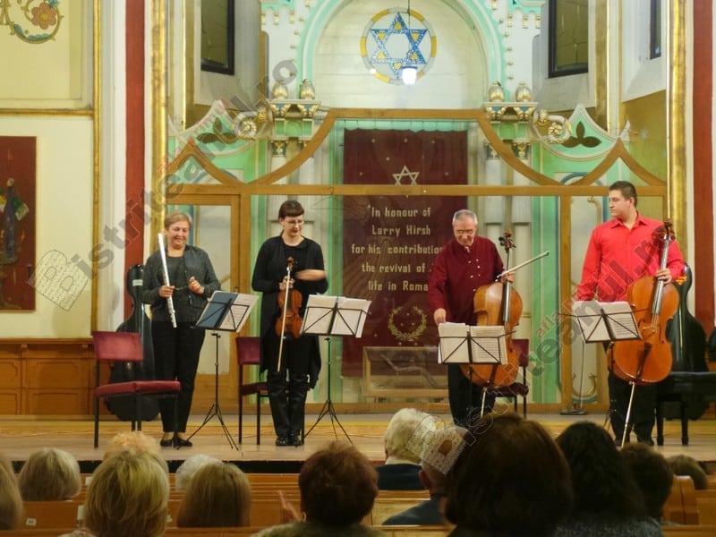 VIDEO:  Toată familia – pe scenă, la Bistrița!