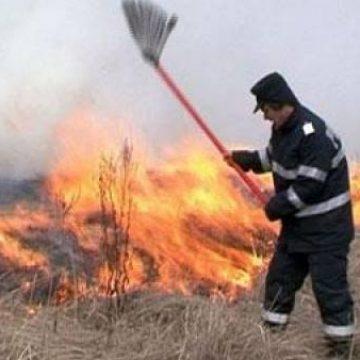 ATENȚIE! Pompierii solicitați la numeroase incendii de vegetație! Fiți responsabili!