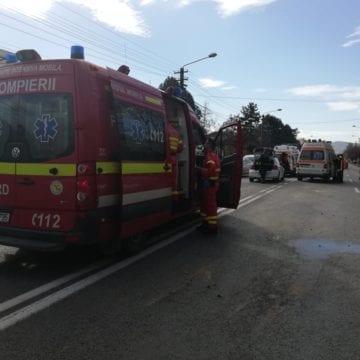 FOTO – Accident cu trei mașini implicate, cauzat de neatenție, pe Libertății