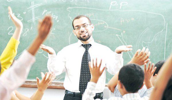 Gata! Profesorii nu mai pot oferi meditații elevilor de la clasă! Ce impune noul cod etic