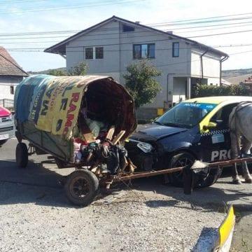 S-a lăsat cu trei rețineri după scandalul – accident de ieri, cu romii și căruțele din Viișoara