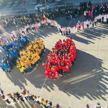 FOTO/VIDEO: 100 de zâmbete pentru România, de ziua ei!