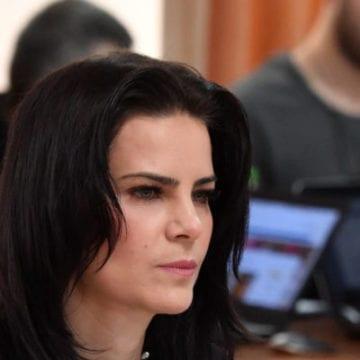 Șefa instituției care amenință Rise Project cu o amendă de 20 de milioane de euro ar fi acordat din pix trei terenuri supraevaluate în Bistrița