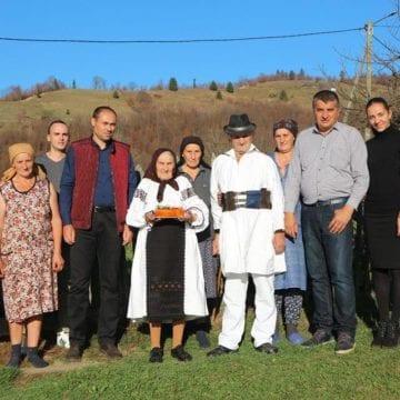 RECORD: Cea mai fericită familie din România trăiește la Parva!