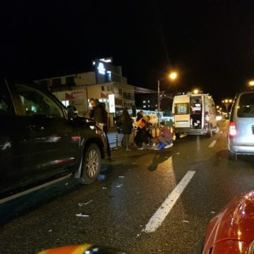 FOTO – Accident pe Calea Moldovei! Un pieton a fost lovit de o mașină