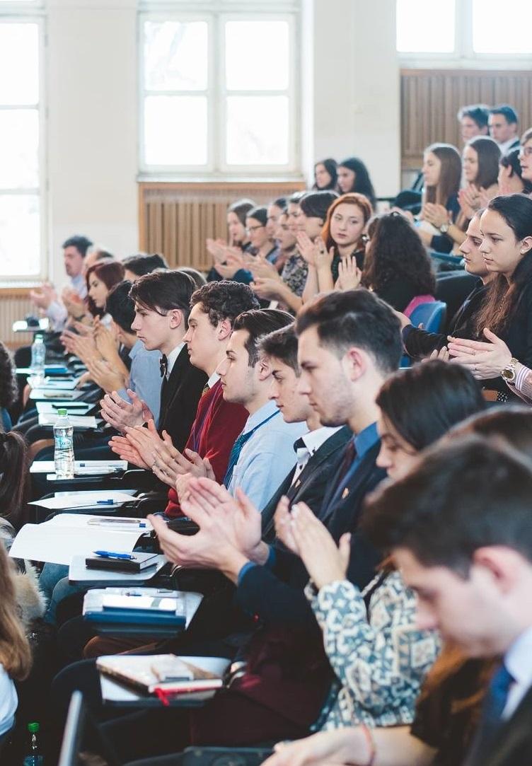 FELICITĂRI:  Rezultate extraordinare, obținute de elevii din Bistrița-Năsăud!