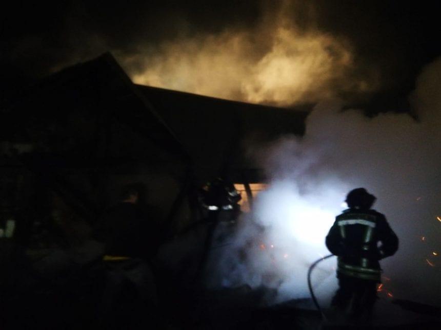 FOTO – Noapte de foc: trei incendii în mai puțin de 12 ore