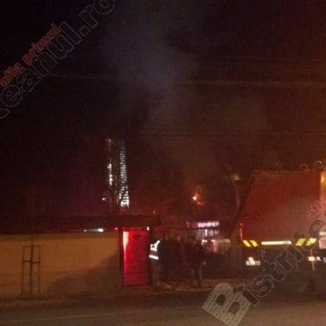 FOTO: Incendiu la o casă de pe strada Libertății! Traficul, aproape paralizat