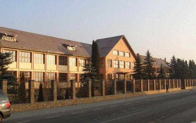 Primarul Doru Crișan, revoltat de dispariția unei clase, la liceul din Prundu Bârgăului. Replica profesorului Mihai Mureșan, șeful ISJ BN: