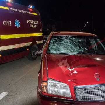 FOTO/VIDEO – Un bărbat din Monariu se află în stare gravă, după ce a fost lovit de o mașină, la doi pași de casă