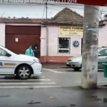 VIDEO – A lovit o femeie pe trecerea de pietoni, în graba spre Mănăstirea Nicula