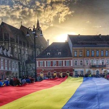 FOTO: Inedit! Un uriaș tricolor va traversa mâine străzile orașului