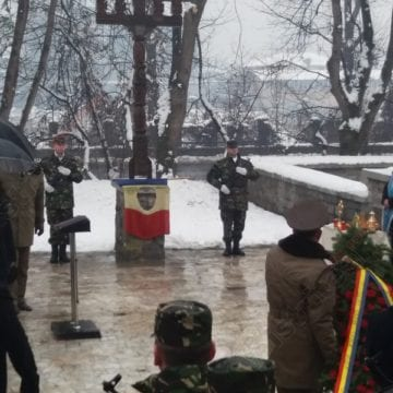 FOTO/VIDEO: În amintirea eroilor din Bistriţa ucişi în decembrie 1989…