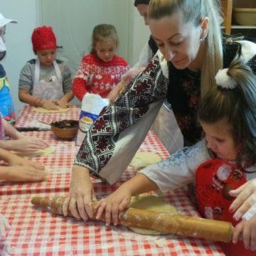 FOTO:  Raiul cornuleţelor cu magiun, la Crăciun în Bistriţa-Năsăud