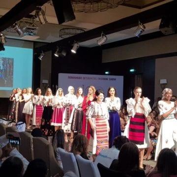 FOTO. Vedeta serii, în Dubai: Costumul tradiţional cusut de Virginia Linul!