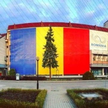 """VIDEO – Emil Radu Moldovan: """"Sărbători fericite alături de cei dragi! La Mulți Ani!"""""""