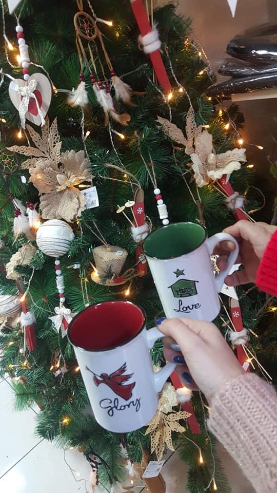 Magia sărbătorilor de iarnă, cu Florăria Myosotis: decorațiuni naturale, coronițe și aranjamente de poveste!