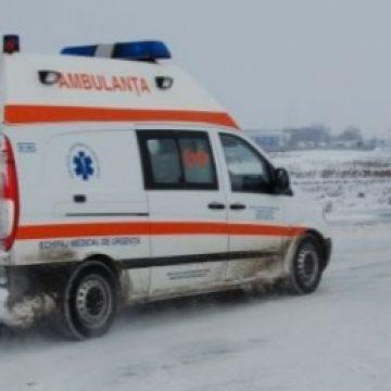 Două copile lovite de mașină, din cauza drumului necurățat! În rapoarte, cei de la Drumuri se laudă că-și fac treaba!