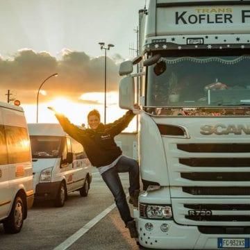 FOTO/VIDEO: Drum cu peripeţii, pentru camioanele de Crăciun ale voluntarilor Johanniter