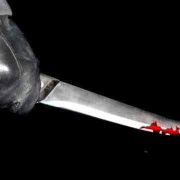 Tentativă de omor la Bistrița! Trei tineri de pe sate s-au certat, iar unul a ajuns înjunghiat la spital