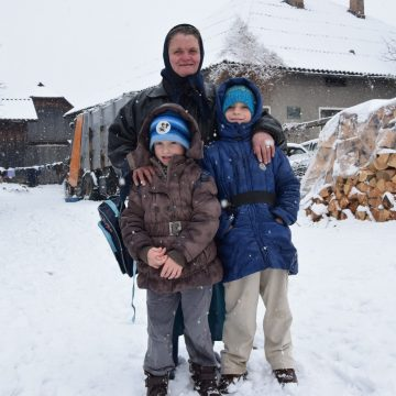 DE CRĂCIUN FII MAI BUN: Bolnavi, fără părinți sau locuind în condiții mizere, și alți copilași visează la un Crăciun mai frumos