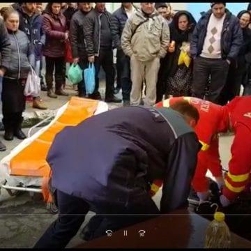 VIDEO: Clipe de groază în autogara Năsăud! Pofta de mici era să-i fie fatală!