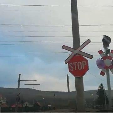 S-au stopat lucrările la calea ferată din Viișoara! Când s-ar putea porni semaforul: