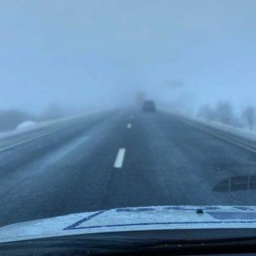 Drumurile naționale din județ ar fi curate! Totuși, avem cod galben de ceață și vreme severă!