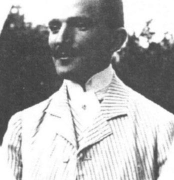 OAMENI în Bistriţa-Năsăud:  Emil Tişca, economistul implicat într-o istorică strângere de fonduri. Catastrofa a lăsat în urmă 18 morţi
