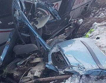 FOTO/VIDEO: Autoturism de BN, implicat într-un accident în Caraș Severin. Șoferul a decedat pe loc!