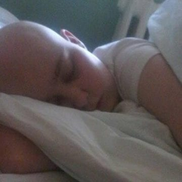 Andreea, copiluța cu leucemie, are nevoie de un medicament ce se găsește foarte greu! O ajutăm?