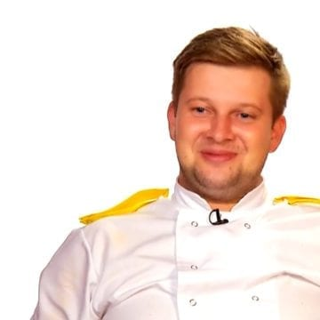 """Avem un bistrițean în semifinala Chefi la Cuțite! """"Ăsta e zeu!"""""""