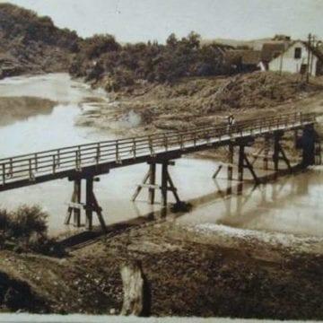 ALTE vremuri: În pielea goală – în apele curgătoare ale satului, în Ajun de Bobotează