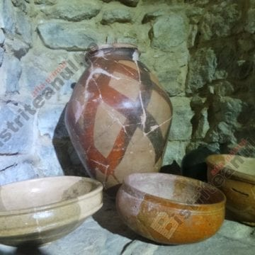 FOTO: Spectaculoase vase de ceramică de acum 1800 de ani, de admirat, la Bistrița!