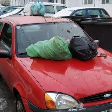 Cum s-au răzbunat bistrițenii pe un șofer care a parcat ca un bou!