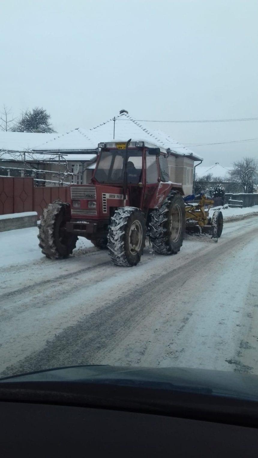 Viceprimarul din Dumitrița a scos comuna de sub nămeți cu prețul a 20 de litri de motorină
