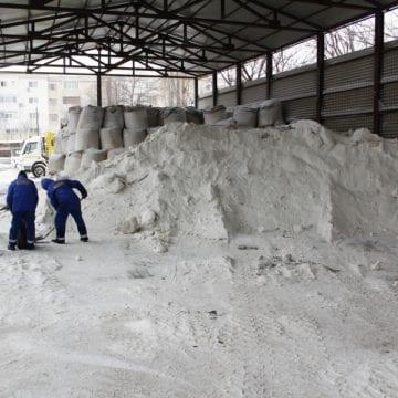 Las` să ningă! Autoritățile susțin că stăm bine la capitolul antiderapant!